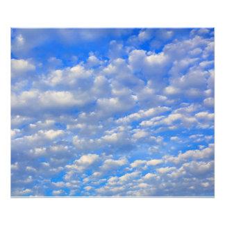 Foto Porciones de nubes minúsculas