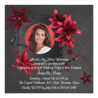 Foto roja Quinceanera de los lirios del damasco Invitación 13,3 Cm X 13,3cm