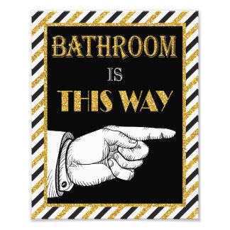 Foto Señal de dirección del cuarto de baño (correcta) -