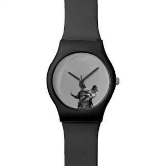 Foto simple, moderna de la gaviota encima de la reloj de pulsera