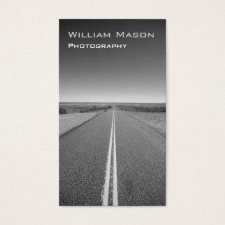 Fotografía blanco y negro del camino - tarjeta de