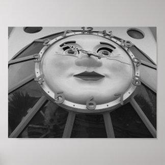 Fotografía blanco y negro del reloj póster