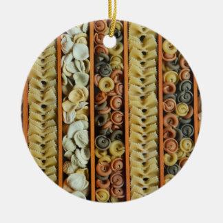 fotografía de los tallarines de las pastas adorno de cerámica