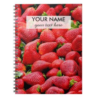 fotografía rosada oscura deliciosa de las fresas cuaderno