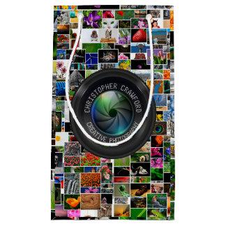 Fotógrafo y lente de cámara del negocio de la bolsa de regalo pequeña