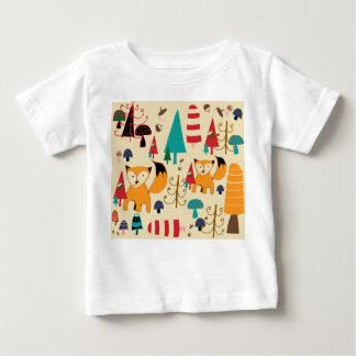 Fox en salvaje camiseta de bebé