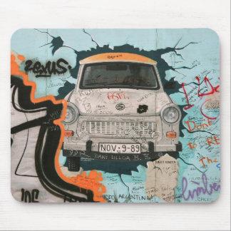 Fragmento del muro de Berlín Alfombrilla De Ratón