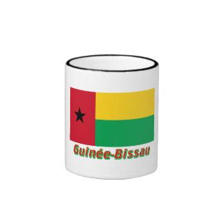 Français de Drapeau Guinée-Bissau avec le nom en Taza A Dos Colores