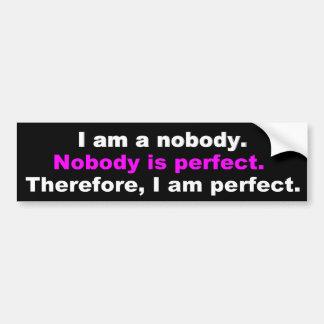Frases divertidas: Nadie es perfecto Etiqueta De Parachoque