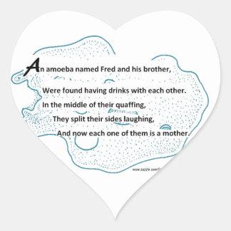 Fred la ameba - un poema de la ciencia de pegatina en forma de corazón