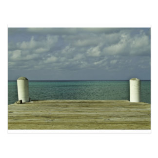 Frente del agua de Gran Caimán Postal