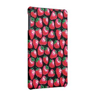 Fresa roja en fondo negro