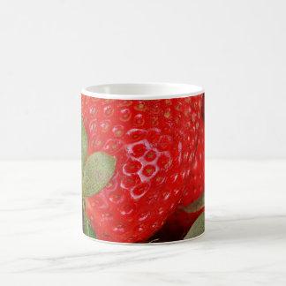 Fresas dulces rojas taza de café