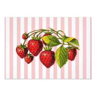 Fresas en rayas rosadas y blancas invitación 12,7 x 17,8 cm