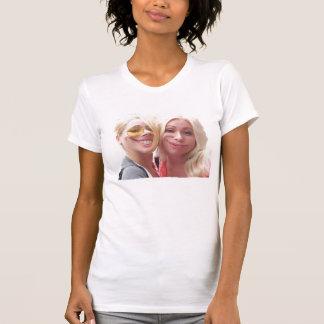Fresco y ridículo camisetas