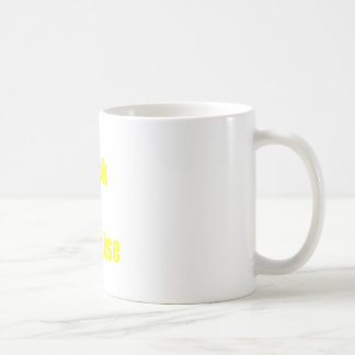 Friki en disfraz tazas de café