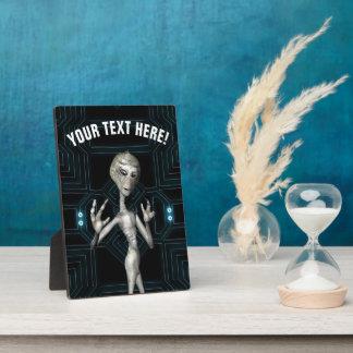 Friki extranjero gris de la ciencia ficción placa expositora
