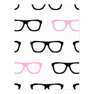 friki rosado de los vidrios geeky postal