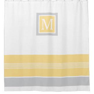 Frontera rayada amarilla y gris del monograma cortina de baño