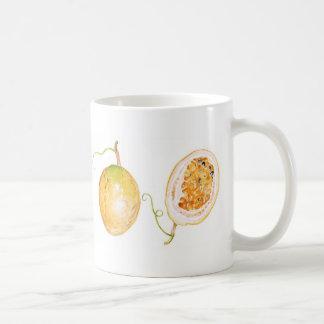 Fruta de la pasión amarilla taza de café