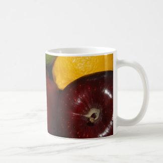 Fruta en una taza