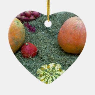 frutas del otoño de la caída de la calabaza adorno de cerámica en forma de corazón