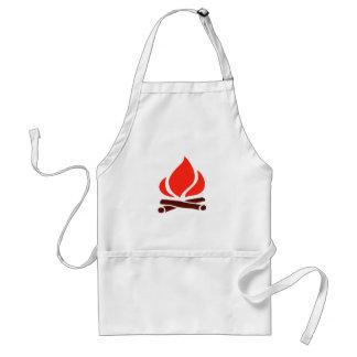 fuego caliente en chimenea delantal