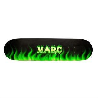 Fuego del verde del monopatín de Marc y diseño de