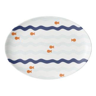 Fuente De Porcelana Modelo del Goldfish en el disco de la porcelana