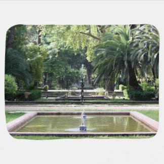 Fuente en Parque de Maria Luisa, en Sevilla Mantita Para Bebé