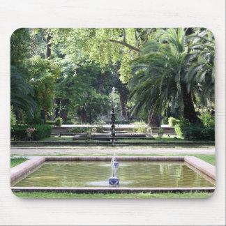 Fuente en Parque de María Luisa, Sevilla Alfombrilla De Ratón