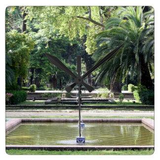 Fuente en Parque de María Luisa, Sevilla Reloj Cuadrado