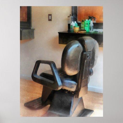 Fuentes de la silla y del pelo de peluquero poster