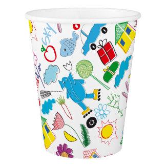 Fuentes lindas del fiesta del modelo de los vaso de papel