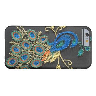 Funda Barely There iPhone 6 Arte de la secuencia del pavo real