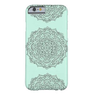 Funda Barely There iPhone 6 Caja de la mandala de la flor