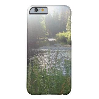 Funda Barely There iPhone 6 Caja del teléfono del río de la naturaleza