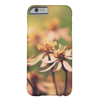 Funda Barely There iPhone 6 caso del iPhone 6/6s con la flor macra hermosa