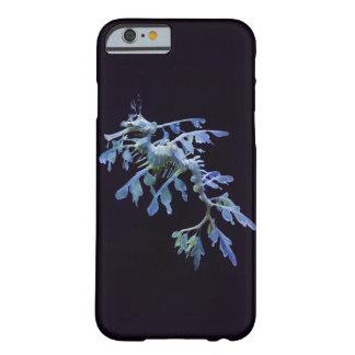 Funda Barely There iPhone 6 Caso frondoso del iPhone 6 del dragón del mar