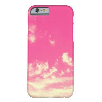 Funda Barely There iPhone 6 Cielo rosado y nubes amarillas