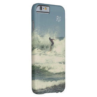 Funda Barely There iPhone 6 El practicar surf (personalizable)