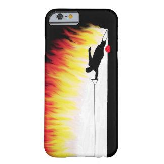Funda Barely There iPhone 6 Esquiador del agua del eslalom con las llamas