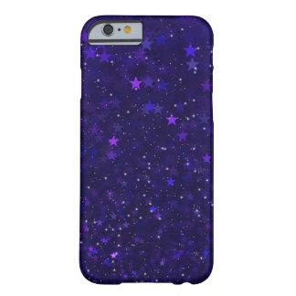 Funda Barely There iPhone 6 Estrellas púrpuras de Bokeh
