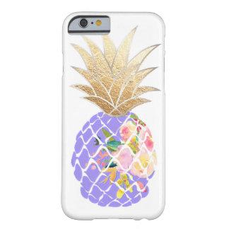 Funda Barely There iPhone 6 Fondo de la hawaiana Pineapples/DIY de PixDezines