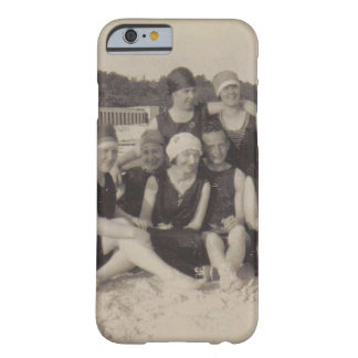 Funda Barely There iPhone 6 Fotografía 1920 del vintage del grupo de playa