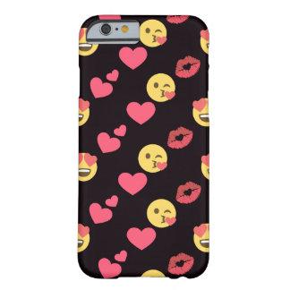 Funda Barely There iPhone 6 los corazones dulces lindos del amor del emoji