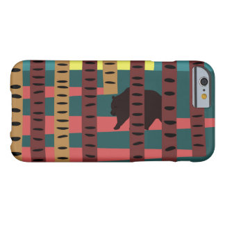 Funda Barely There iPhone 6 Oso que camina en las maderas