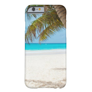 Funda Barely There iPhone 6 Playa tropical y palmera de la arena blanca