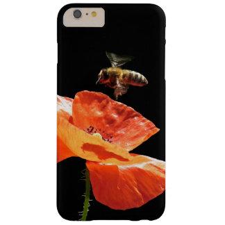 Funda Barely There iPhone 6 Plus Acercamiento en la flor de la amapola