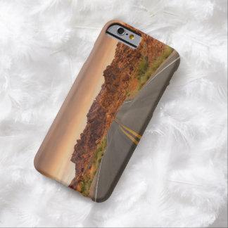 Funda Barely There iPhone 6 Puesta del sol del viaje por carretera